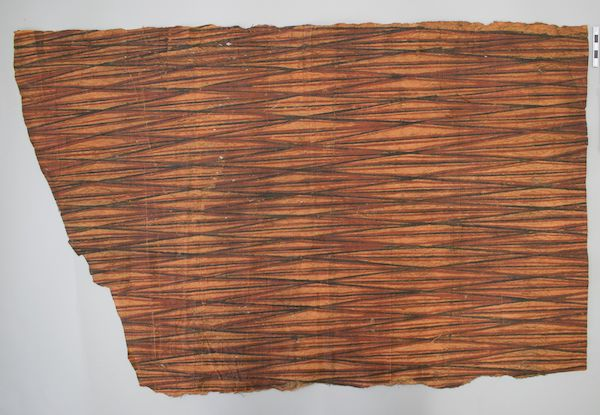 Colour photograph of a Hawaiian painted cloth from The Hunterian collection, reference GLAHM E.602 (copyright The University of Glasgow)
